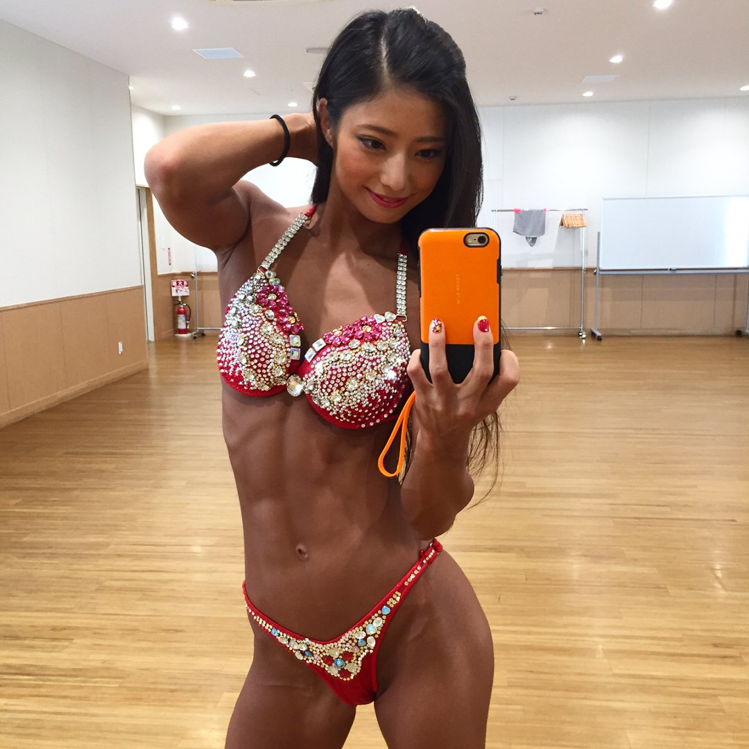 田上舞子の筋肉がすごい!高校や大学はどこ?トレーナーになったきっかけは何?